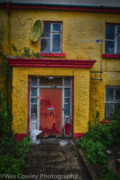 Inishmore yellow building