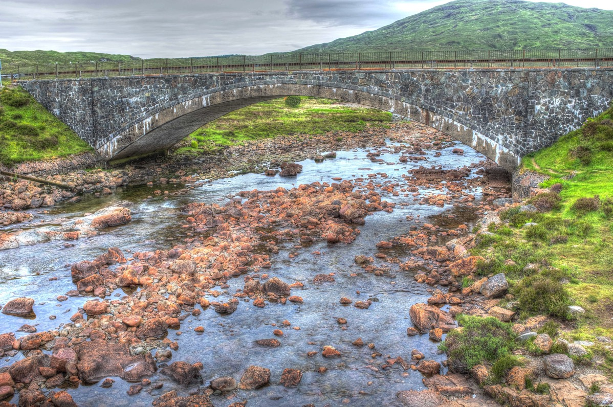 Skye stream and bridge hdr